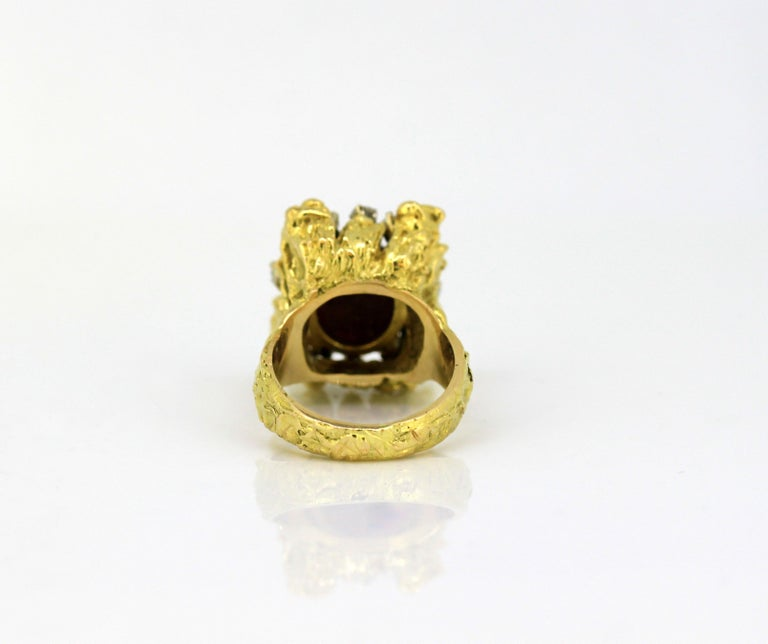 Women's or Men's French 18 Karat Gold Ladies Ring with Natural Cabochon Ruby and Diamonds, 1940s For Sale