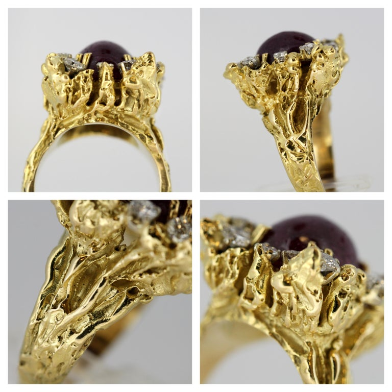 French 18 Karat Gold Ladies Ring with Natural Cabochon Ruby and Diamonds, 1940s For Sale 3