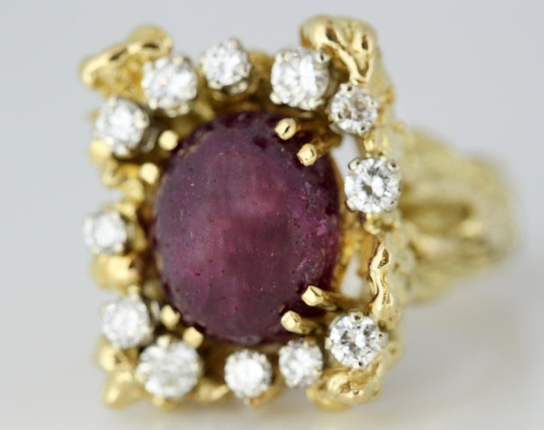French 18 Karat Gold Ladies Ring with Natural Cabochon Ruby and Diamonds, 1940s For Sale 5