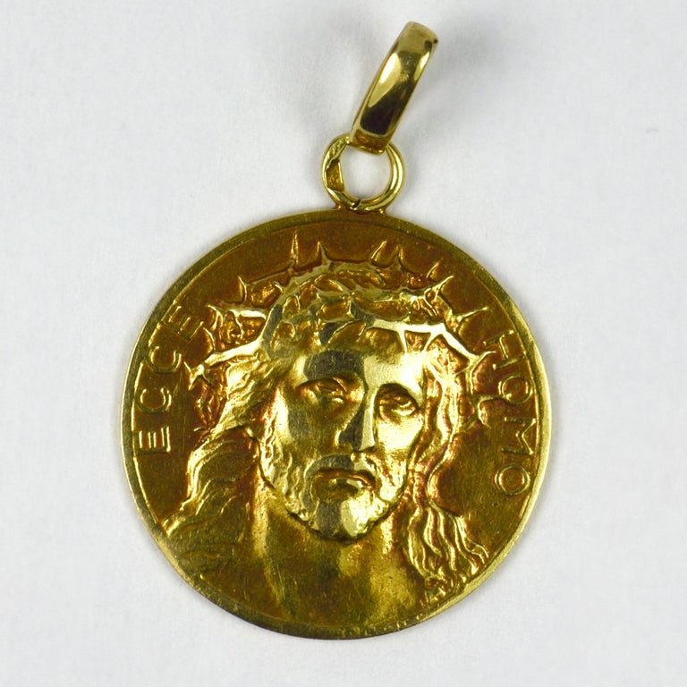 Women's or Men's French 18 Karat Yellow Gold Ecce Homo Jesus Christ Crown of Thorns Charm Pendant For Sale
