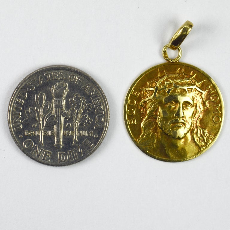 French 18 Karat Yellow Gold Ecce Homo Jesus Christ Crown of Thorns Charm Pendant For Sale 2