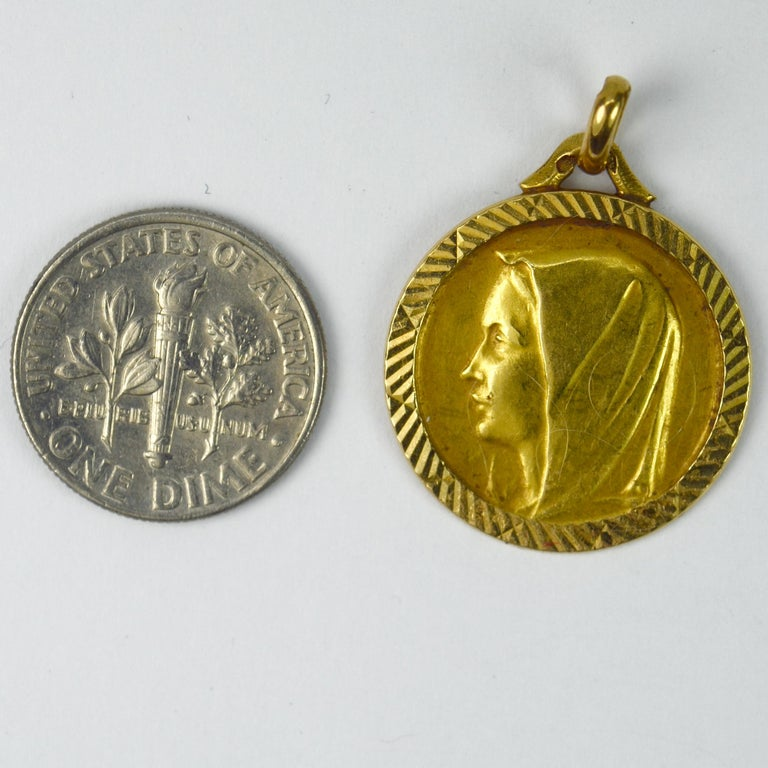 French 18 Karat Yellow Gold Virgin Mary Charm Pendant Medal For Sale 2