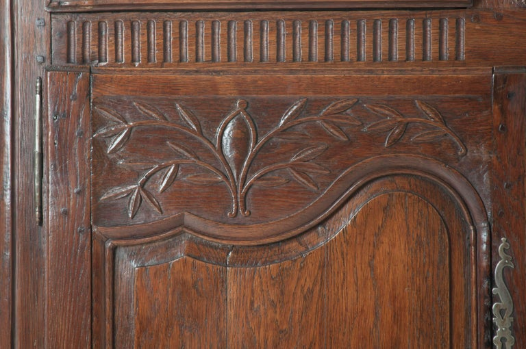 Hand-Carved French 18th Century Carved Oak Buffet For Sale