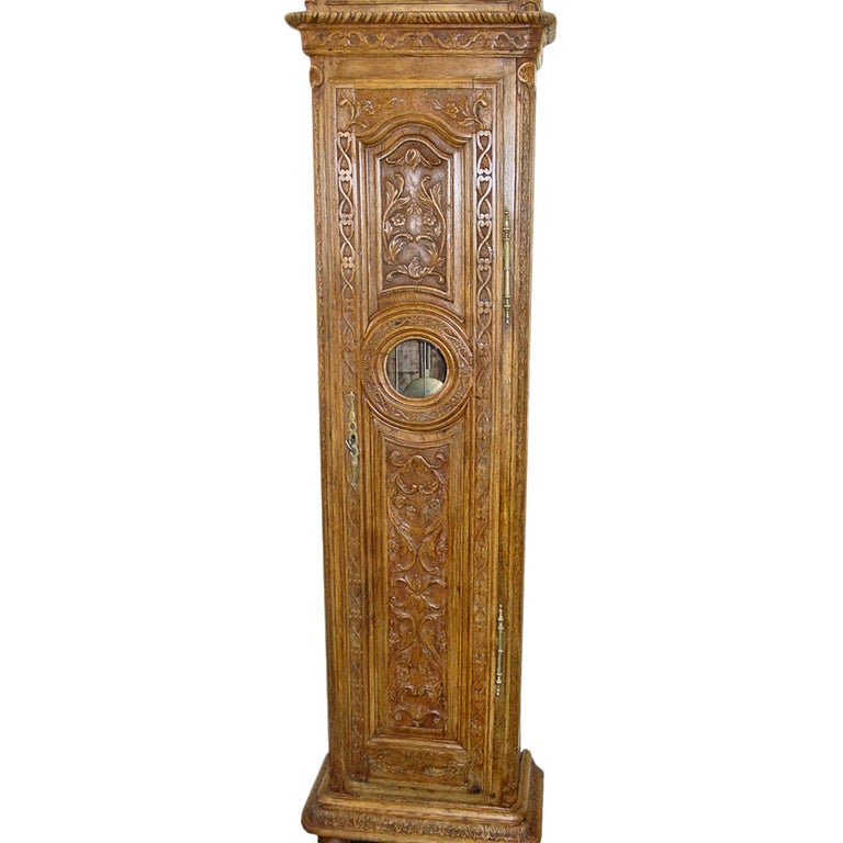 French 18th Century Grandfather Clock in Oak In Excellent Condition For Sale In West Palm Beach, FL