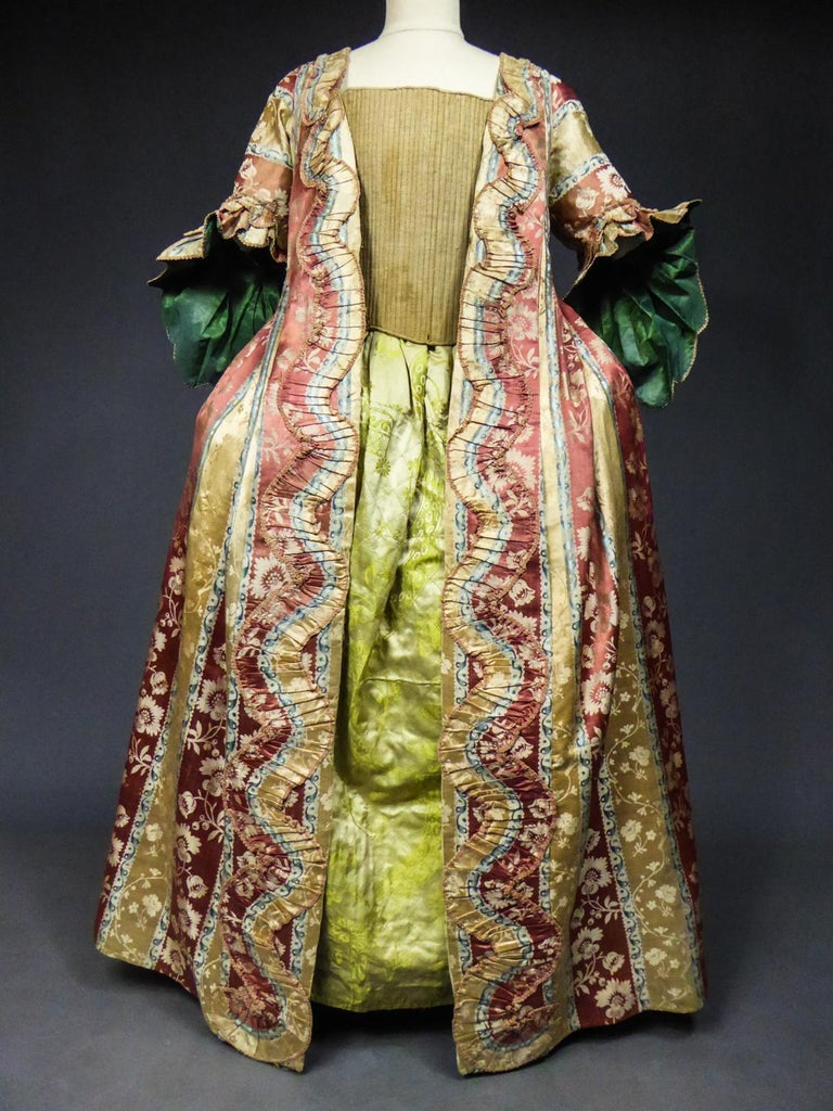 French 18th Century Interior Robe Volante Dress Louis XV Period For Sale 2