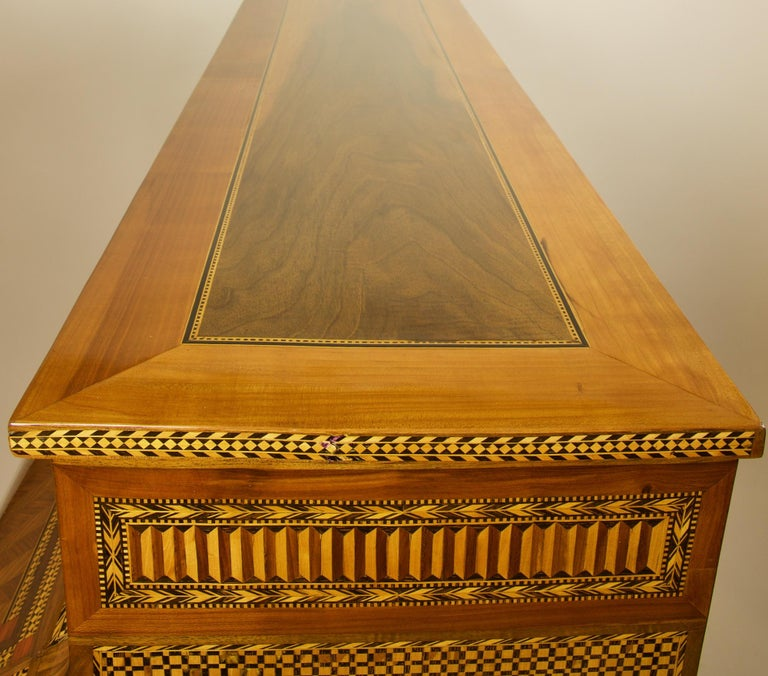 French 18th Century Large Louis XVI Marquetry Desk or Bureau à Cylindre For Sale 8