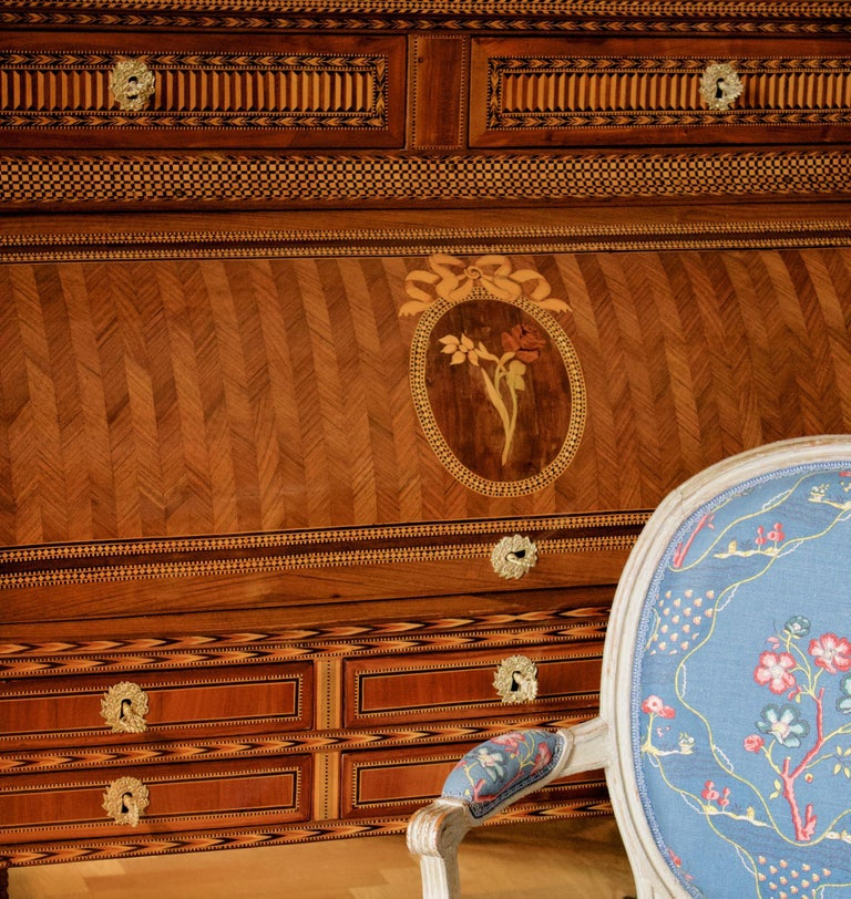 French 18th century large Louis XVI marquetry desk or bureau à Cylindre  An exceptional marquetry secrétaire in the form of a bureau with a cylinder front and on a stand with four rectangular tapering legs. In the upper part is a sliding shelf