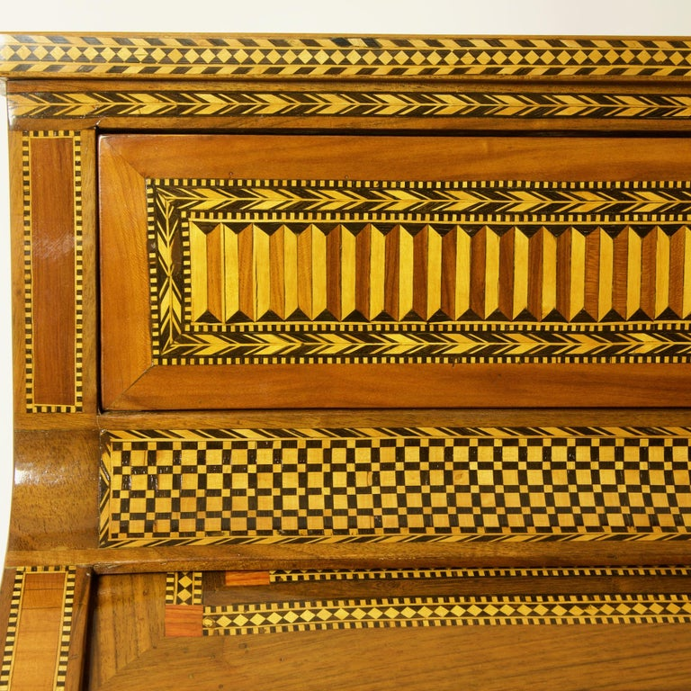 French 18th Century Large Louis XVI Marquetry Desk or Bureau à Cylindre For Sale 4