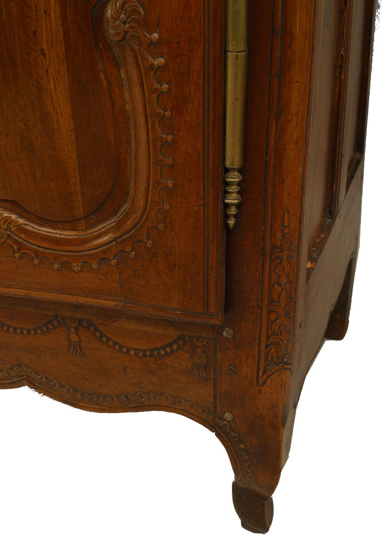French 18th Century Provincial Walnut Armoire For Sale 1
