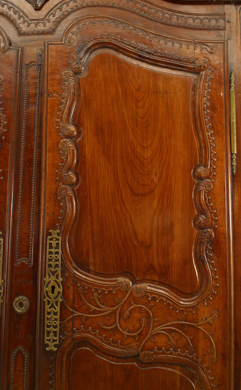 French 18th Century Provincial Walnut Armoire For Sale 2