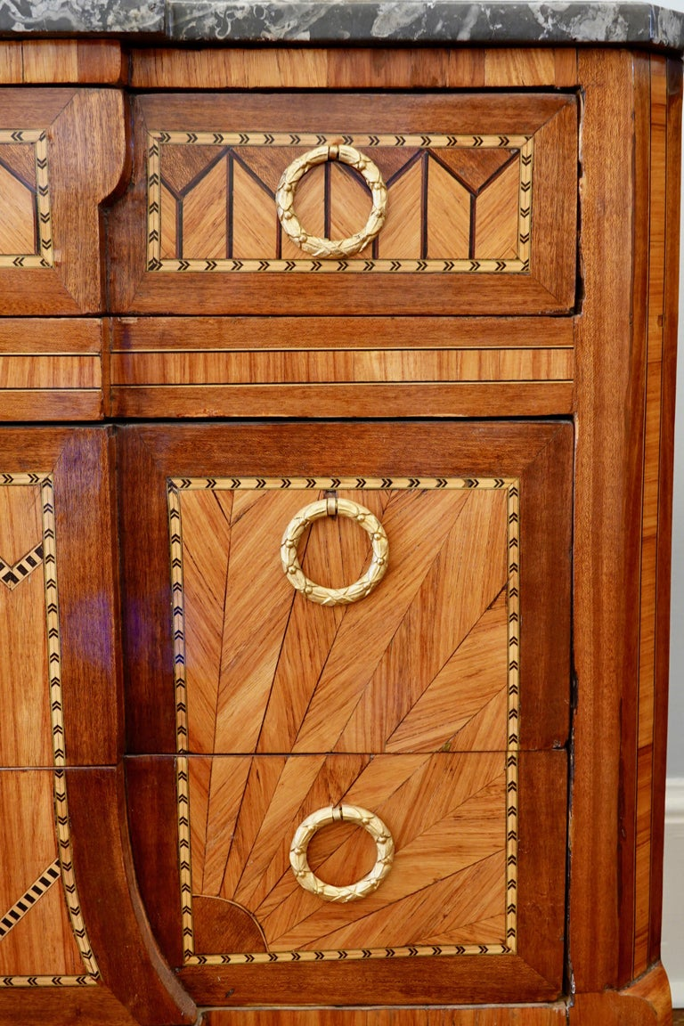 French 18th Century Transitional Marquetry Commode For Sale 5