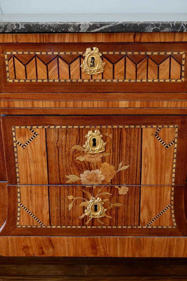 Wood French 18th Century Transitional Marquetry Commode For Sale