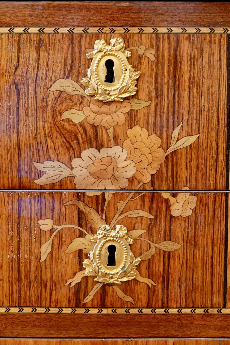 French 18th Century Transitional Marquetry Commode For Sale 2