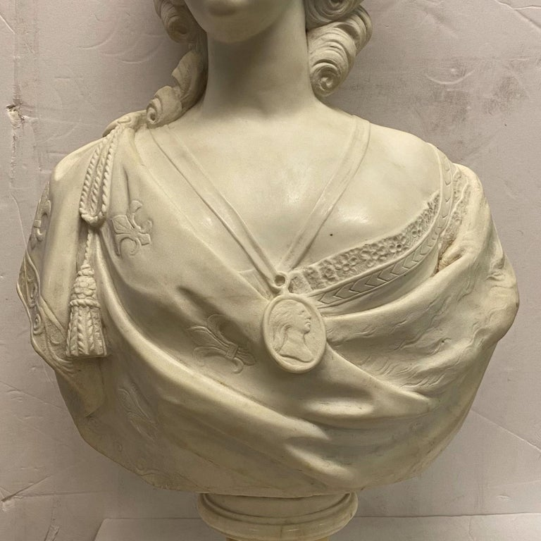 French 19th Century Marie Antoinette Marble Bust For Sale 2