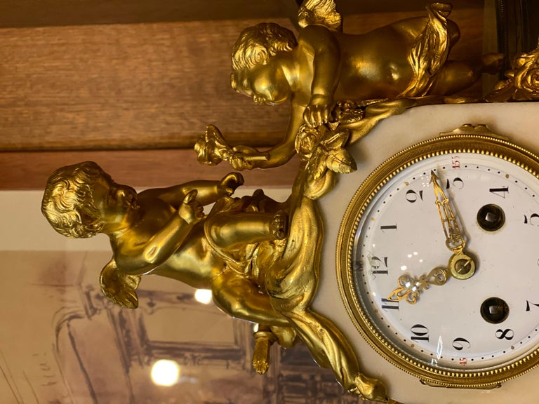 French 19th Century Ormolu White Marble Mantel Clock For Sale 1