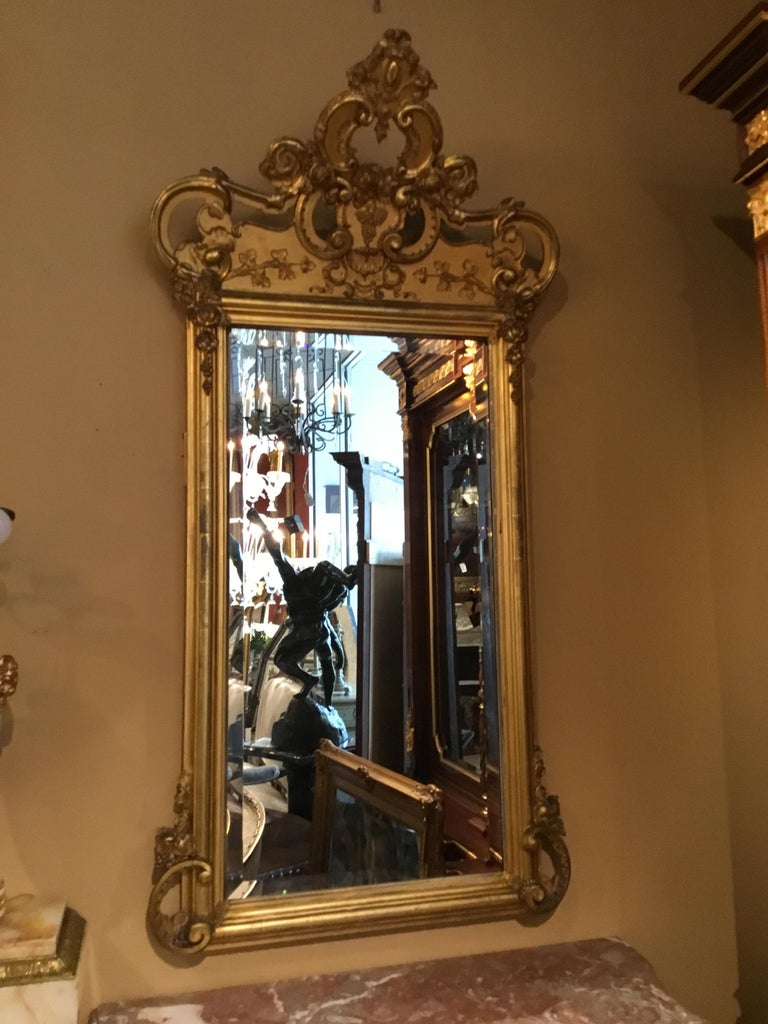 French 19th Century Giltwood Framed Mirror with Beveled Plate For Sale 3
