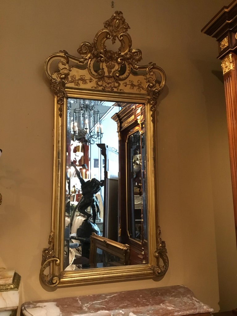 French 19th Century Giltwood Framed Mirror with Beveled Plate For Sale 4