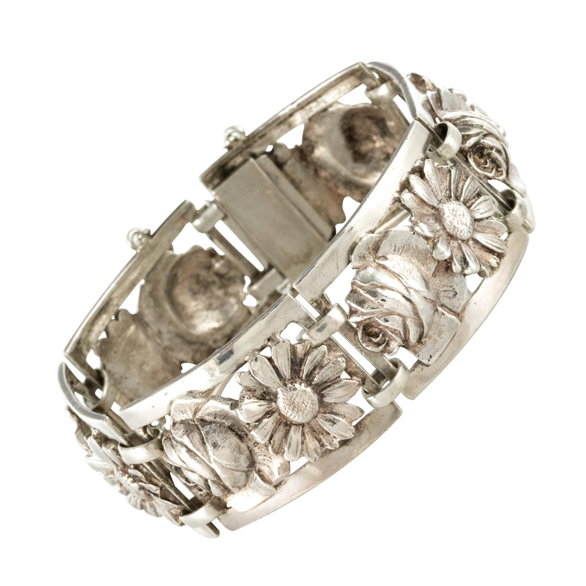 French 1900s Belle Époque Flowers Silver Bracelet