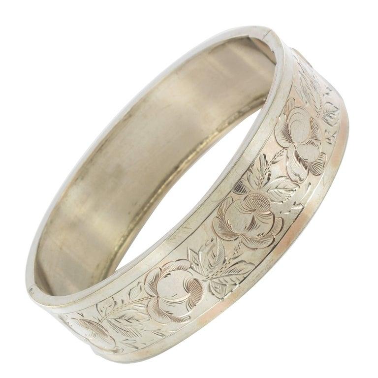 French 1900s Belle époque Rose Chiseled Silver Bangle Bracelet