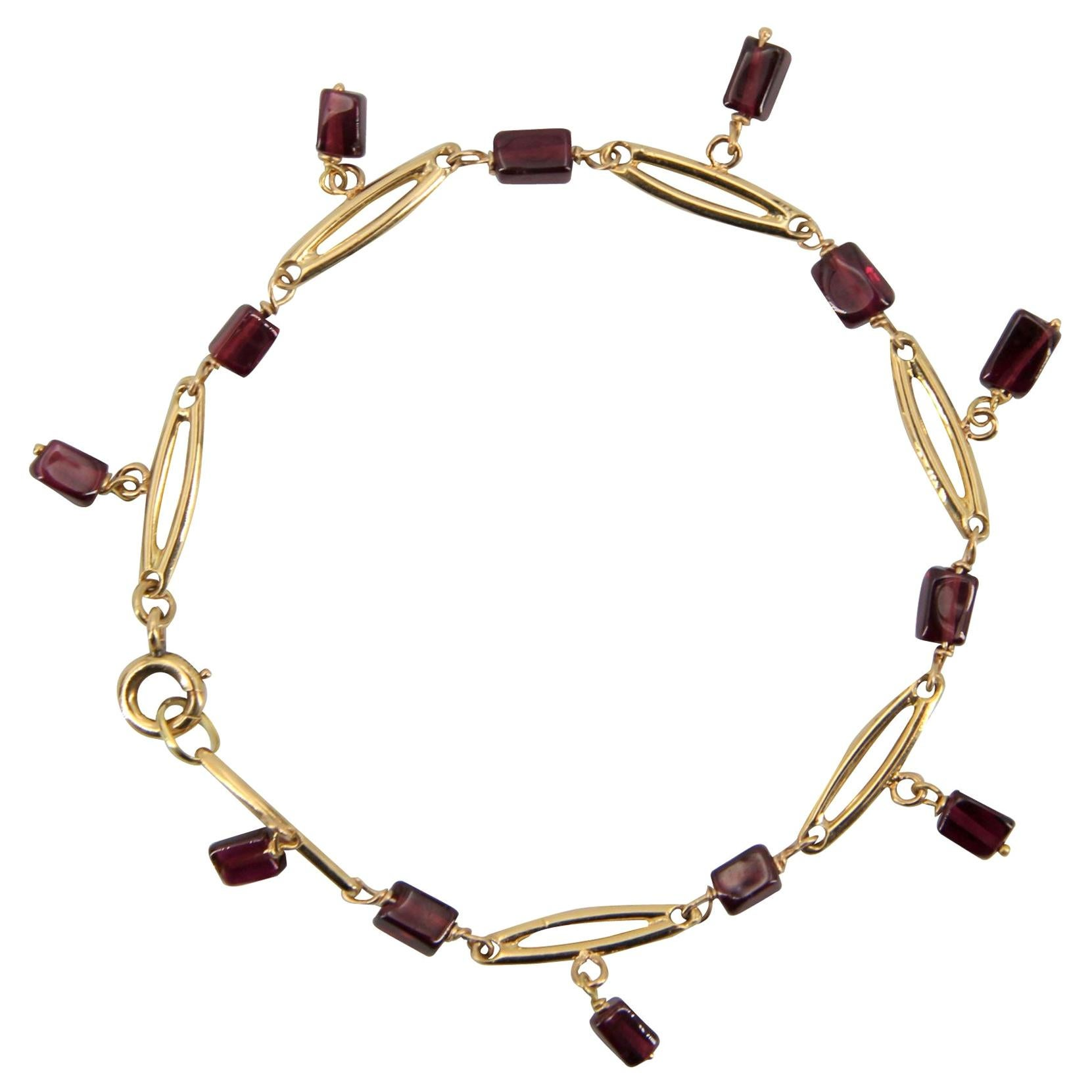 French 1900s Garnet 18 Karat Yellow Gold Bracelet