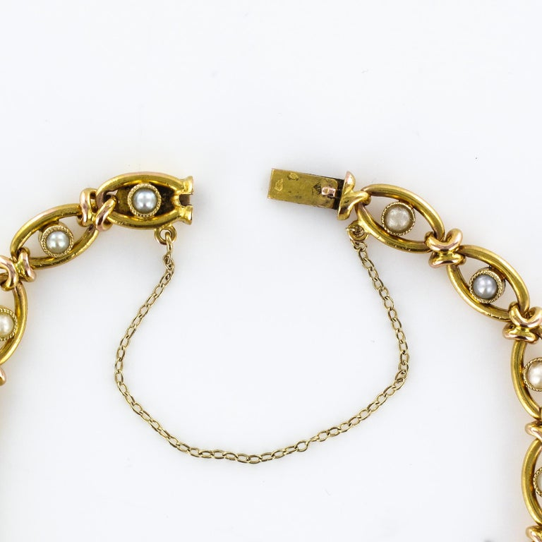 French 1900s Natural Pearl 18 Karat Yellow Gold Bracelet For Sale 3