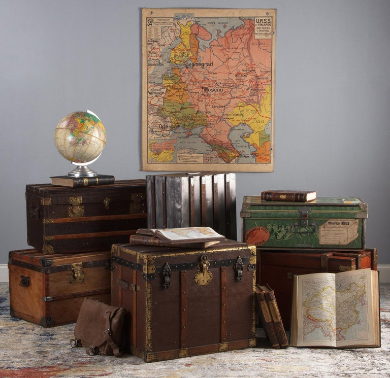 French 1900s Traveling Trunk in Poplar For Sale 15
