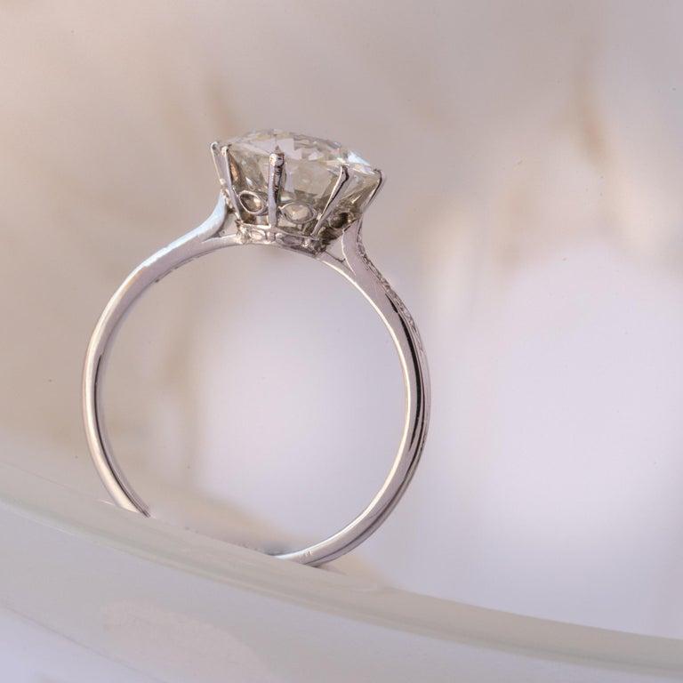 French 1920s 2.45 Carat Brilliant Cut Diamond Solitaire Platinum Ring For Sale 4