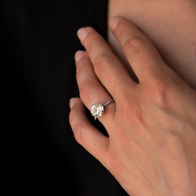 Round Cut French 1920s 2.45 Carat Brilliant Cut Diamond Solitaire Platinum Ring For Sale