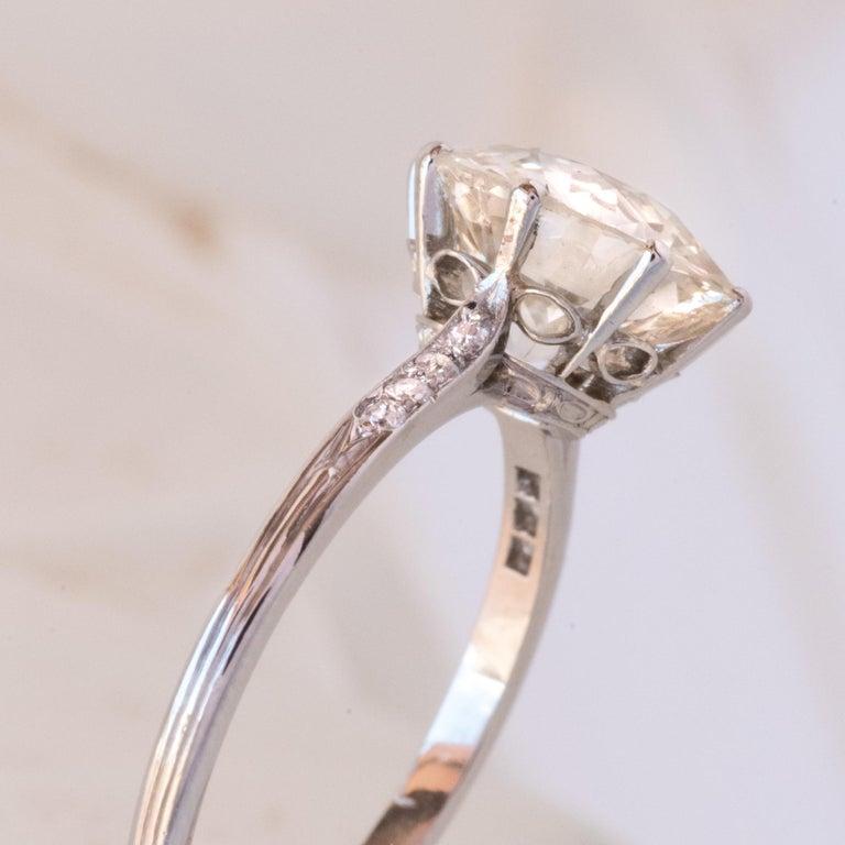 French 1920s 2.45 Carat Brilliant Cut Diamond Solitaire Platinum Ring For Sale 2