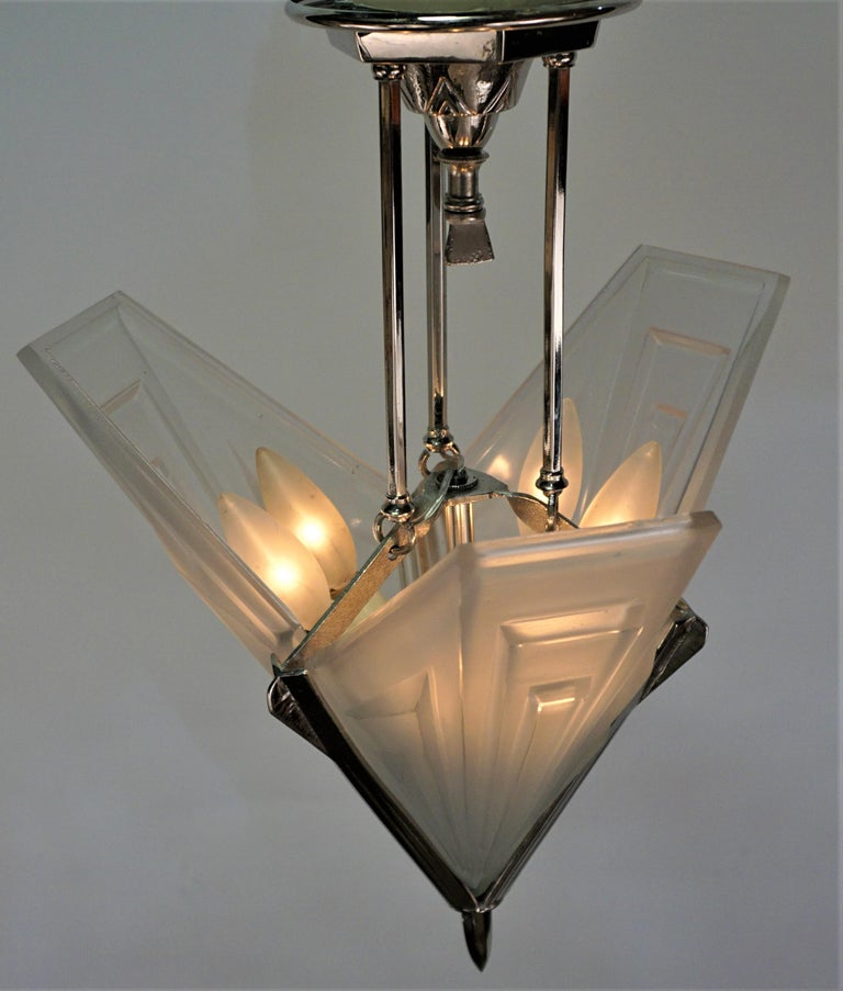 French 1920's Art Deco Chandelier by Degue For Sale 1