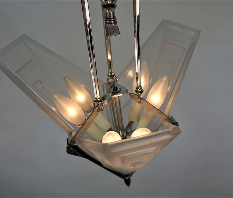 French 1920's Art Deco Chandelier by Degue For Sale 2