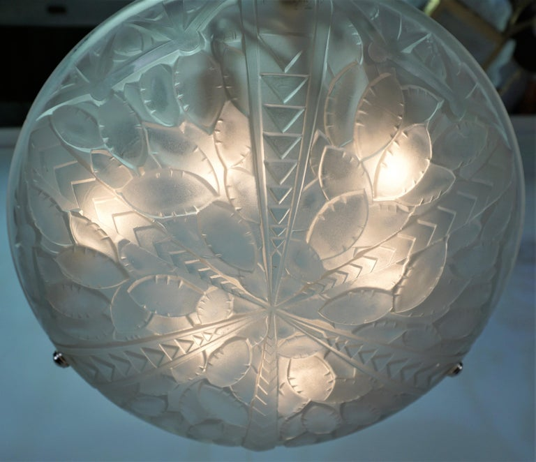Early 20th Century French 1920's Art Deco Chandelier by G. Viarme For Sale