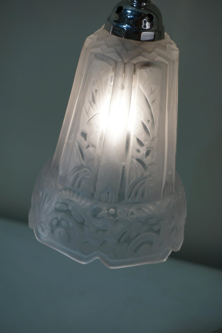 Glass French 1920s Art Deco Table or Desk Lamp by Robert For Sale