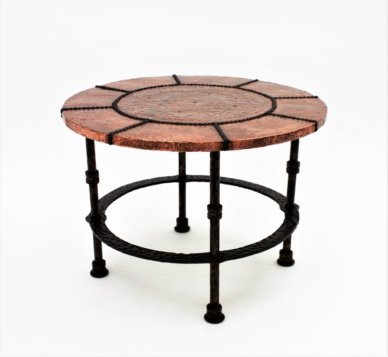 French 1920s Wrought Iron Low Drinks Table with Hammered Copper Round Top  For Sale 5