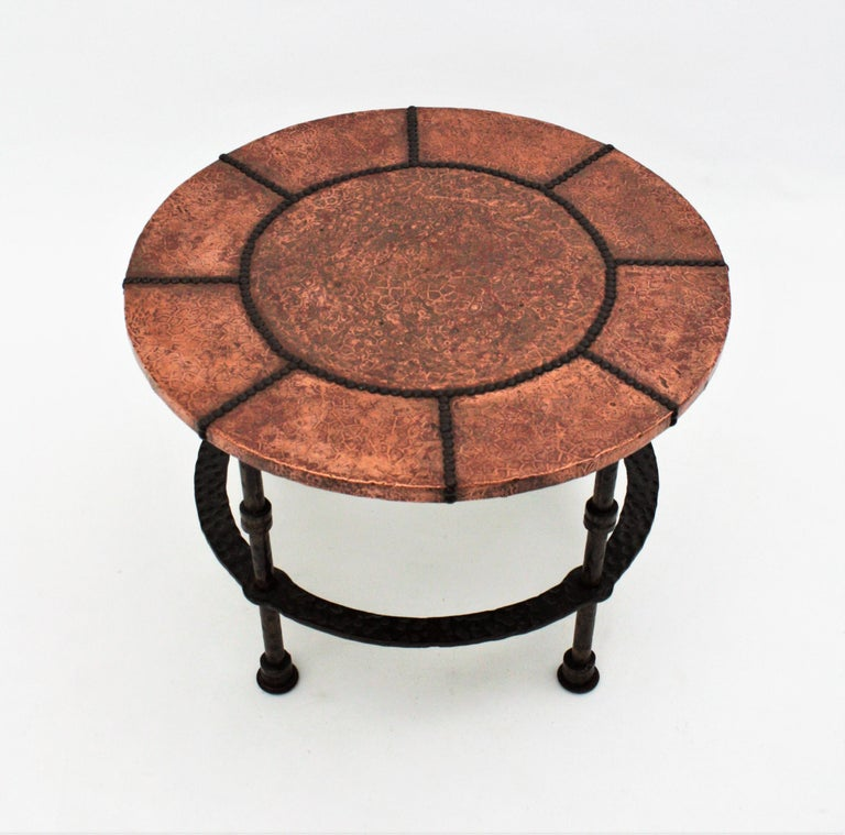French 1920s Wrought Iron Low Drinks Table with Hammered Copper Round Top  For Sale 6