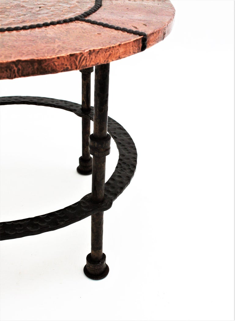French 1920s Wrought Iron Low Drinks Table with Hammered Copper Round Top  For Sale 9