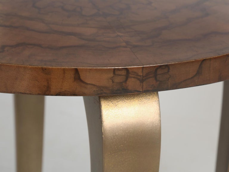 French 1930-1940 Burl Walnut and Bronze End or Side Table, Restored For Sale 3