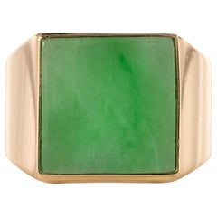 French 1930s 12 Carat Jade 18 Karat Yellow Gold Men's Signet Ring