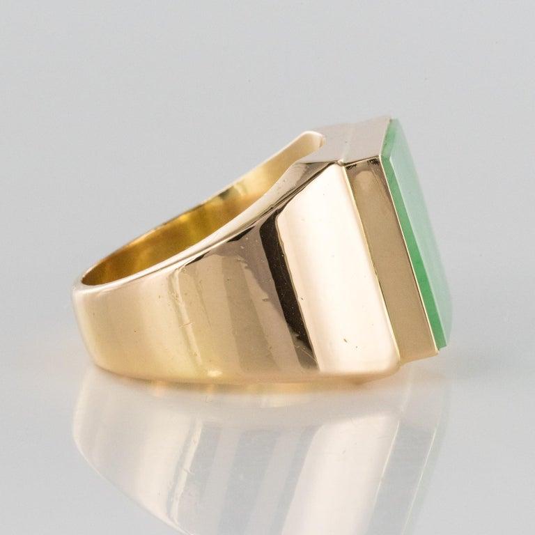 French 1930s 12 Carat Jade 18 Karat Yellow Gold Men's Signet Ring For Sale 9