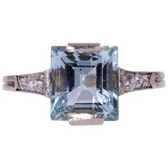 French 1930s Art Deco Aquamarine Diamonds 18 Karat White Gold Ring