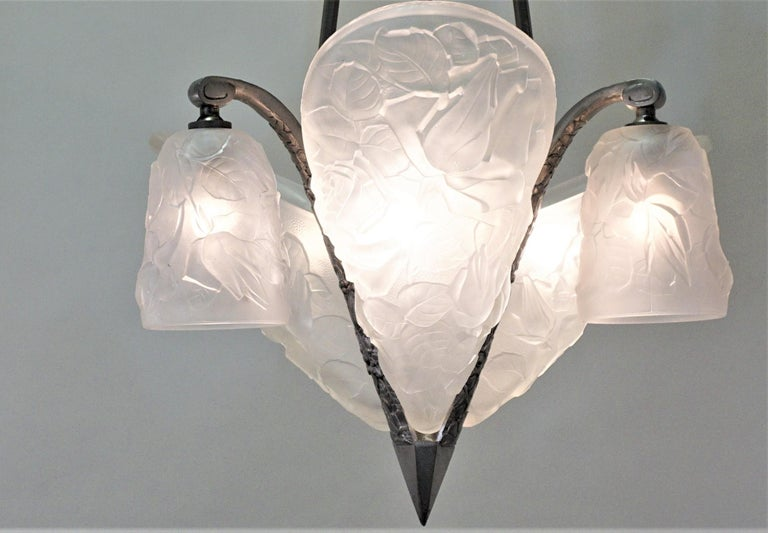French 1930s Art Deco Chandelier In Good Condition For Sale In Fairfax, VA