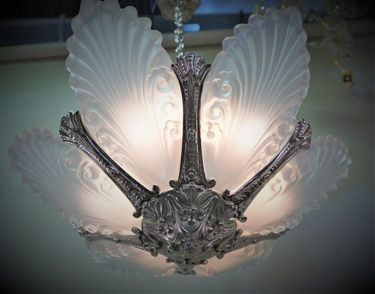 Mid-20th Century French 1930s Art Deco Chandelier For Sale