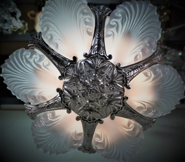 French 1930s Art Deco Chandelier For Sale 1