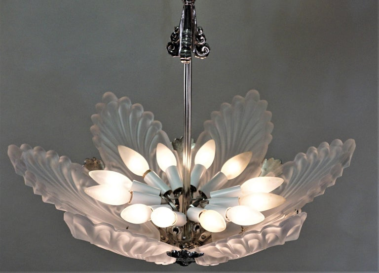 French 1930s Art Deco Chandelier For Sale 2