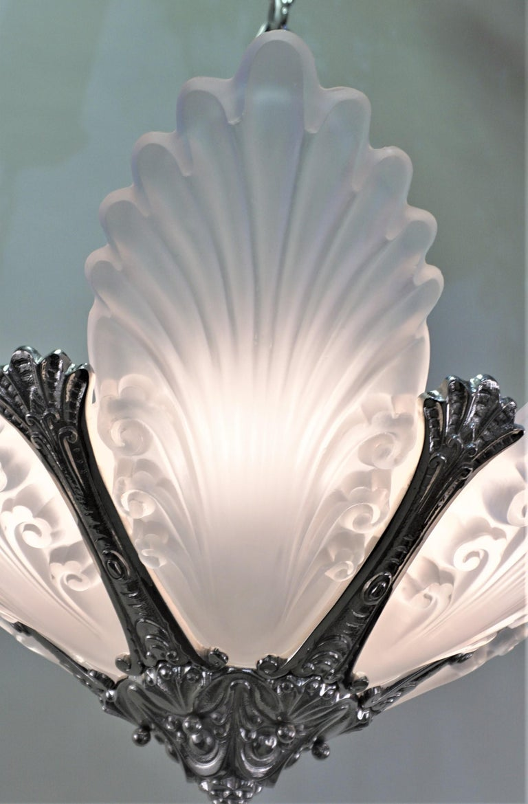 French 1930s Art Deco Chandelier For Sale 3