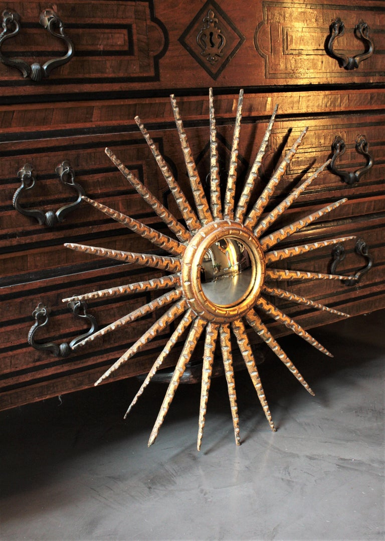 French 1930s Hollywood Regency Giltwood Starburst Sunburst Convex Mirror For Sale 1