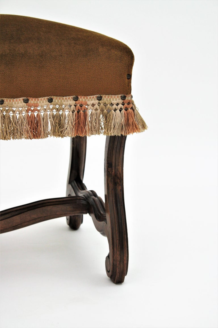 French 1930s Louis XIV Style Os de Mouton Legs Bench in Velvet Upholstery For Sale 5
