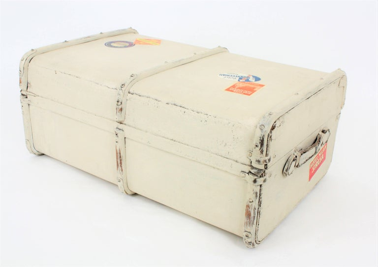 French 1930s Mediterranean Antique Canvas and Wood Travel Trunk For Sale 3