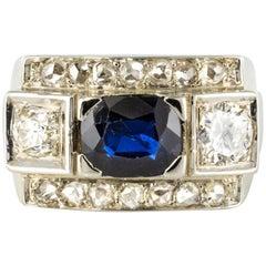 French 1940s 18 Karat White Gold Sapphire Diamonds Ring
