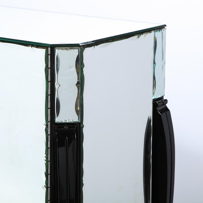 French 1940s Art Deco Beveled Mirrored Chest with Ebonized Walnut Cabriolet Legs For Sale 6